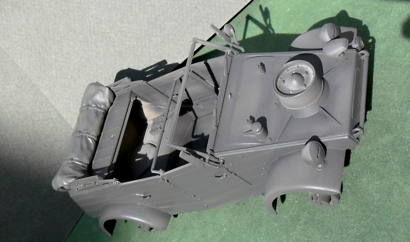 "Kübelwagen Type 82 ""DAK"" Hasegawa 1/24 (terminée) - Page 4 Dunkel13"