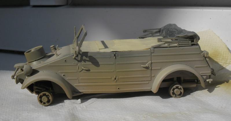 """Kübelwagen Type 82 """"DAK"""" Hasegawa 1/24 (terminée) - Page 6 Peint_11"""