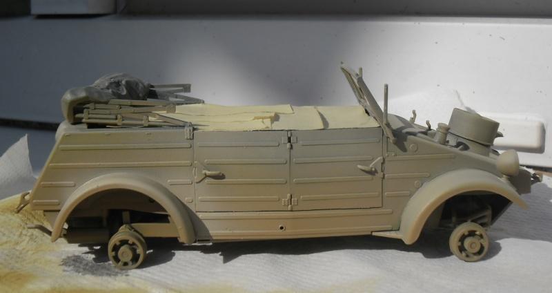 """Kübelwagen Type 82 """"DAK"""" Hasegawa 1/24 (terminée) - Page 6 Peint_14"""