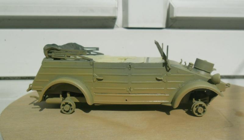 "Kübelwagen Type 82 ""DAK"" Hasegawa 1/24 (terminée) - Page 6 Peintu10"