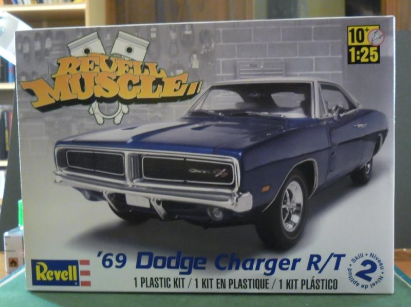 """Dodge Charger R/T 1969 """"Général Lee"""" 1/25 : Décès de Rosco (page 6) Revell10"""