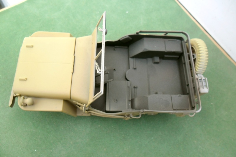 Jeep Willys Italeri 1/24 (ref: 6351) (débuts peintures) - Page 5 Sable012