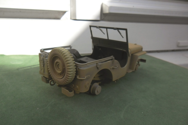 Jeep Willys Italeri 1/24 (ref: 6351) (débuts peintures) - Page 5 Sable014