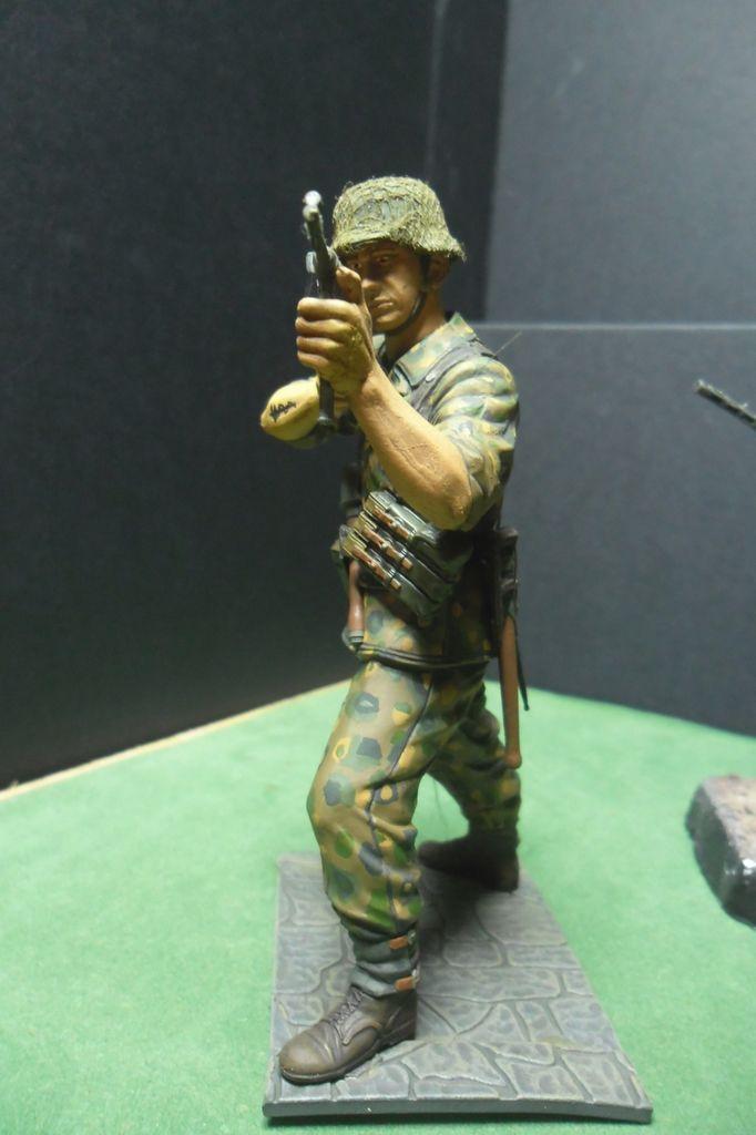 Figurines 120mm Verlinden, Dragon, Tamiya etc... Sam_3211