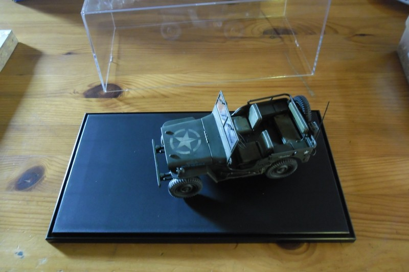 Jeep Willys MB hasegawa + Eduard 1/24 (Configuration finale) - Page 3 Showca11