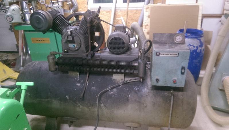 nouveaux venu; un compresseur creyssensac a restaurer...si il en vaut encore la peine! ^^ Imag0311