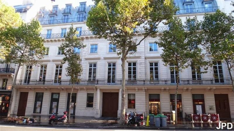 L'hôtel de Mercy Argenteau à Paris, boulevard Montmartre 1large10
