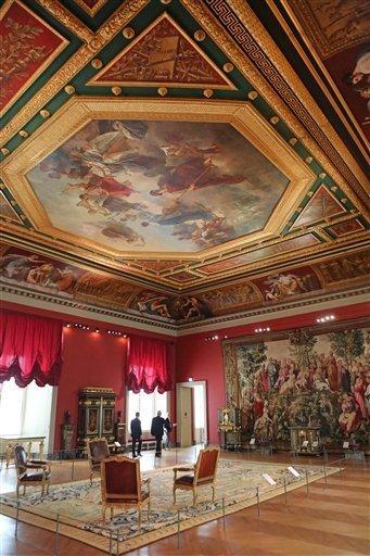 Louvre: réouverture de salles Louis XVI-Marie Antoinette - Page 2 39-zcn10