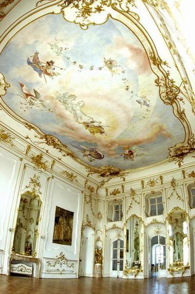 Le Palais Esterhazy à Fertőd, le Versailles hongrois 398px-10