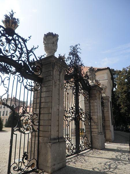 Le Palais Esterhazy à Fertőd, le Versailles hongrois 450px-10