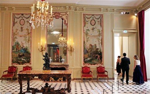 Louvre: réouverture de salles Louis XVI-Marie Antoinette - Page 2 588-1w10