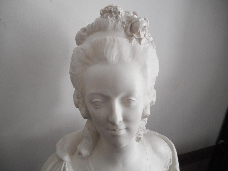 A vendre: bustes Marie Antoinette 77089-11