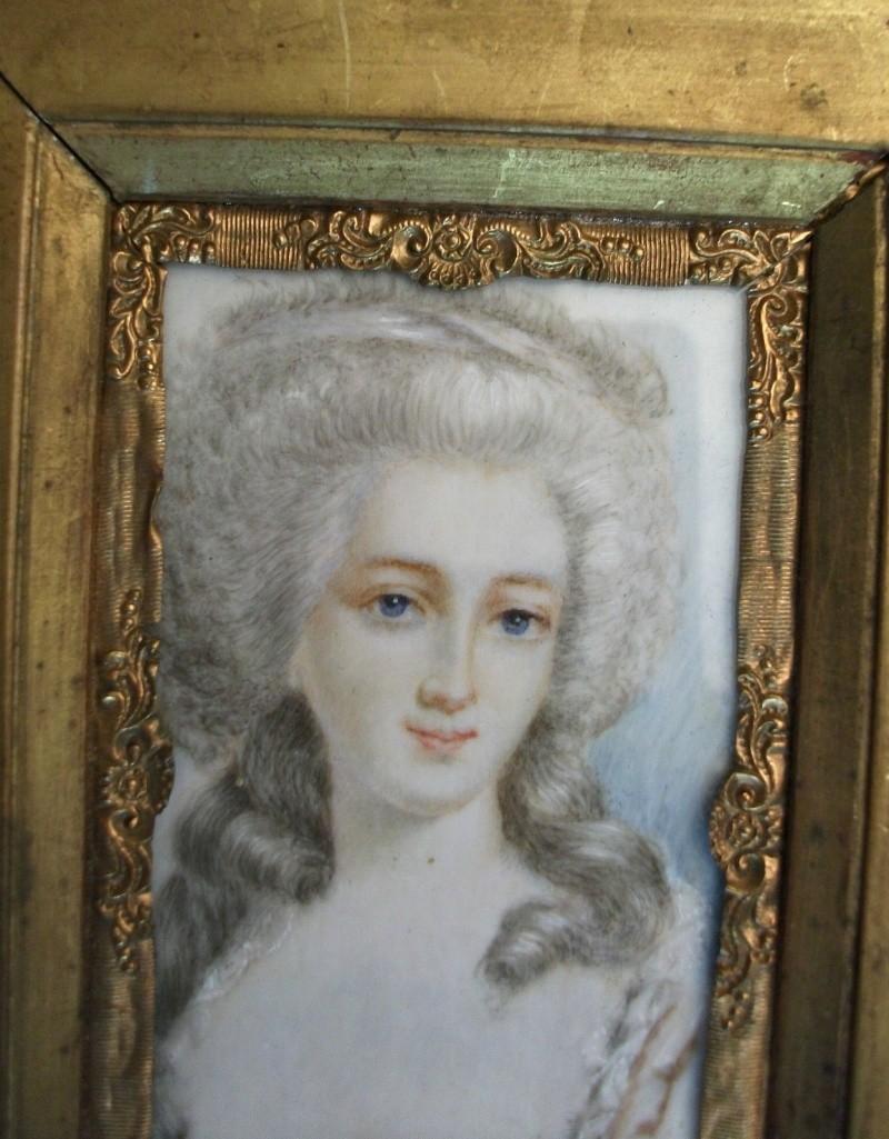 A vendre: miniatures de Marie Antoinette? _5716