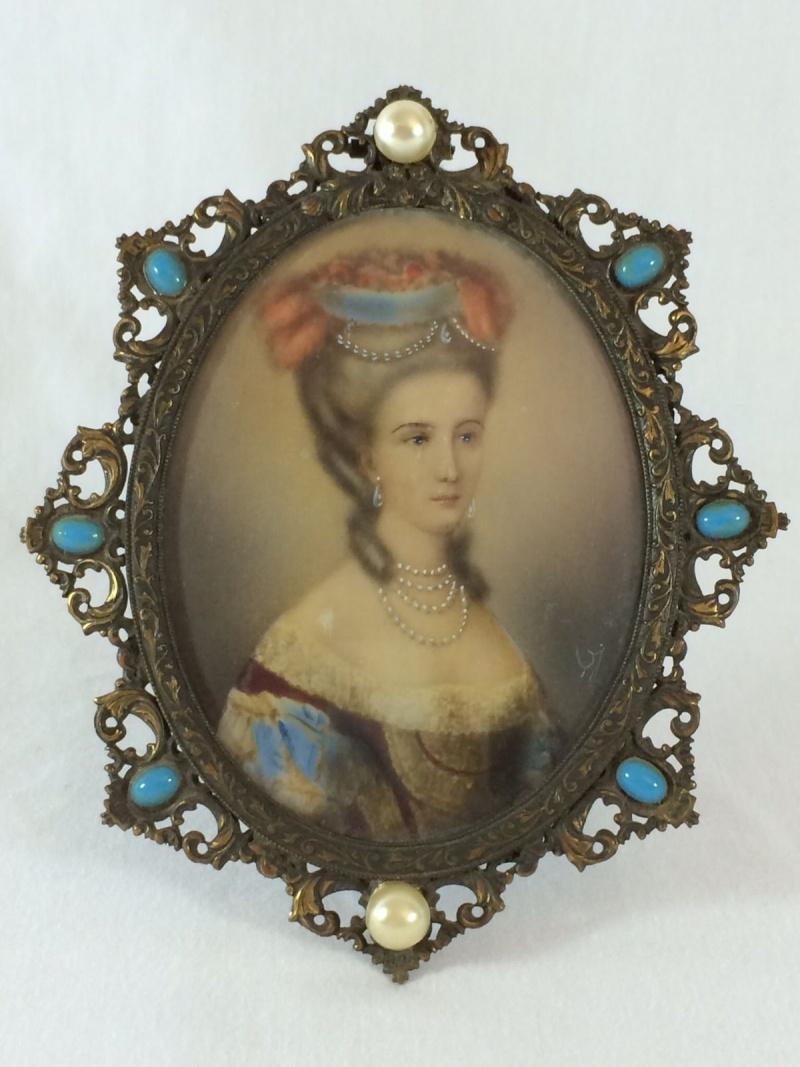 A vendre: miniatures de Marie Antoinette? _5719