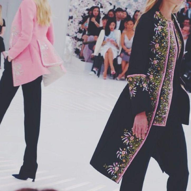Haute Couture: Nouveau Versailles et Marie Antoinette dans l'espace Blackb10