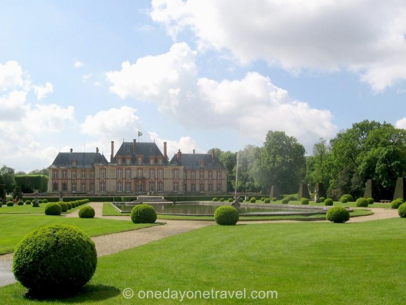 Visite du Comte chez le Baron de Breteuil - Page 5 Breteu10