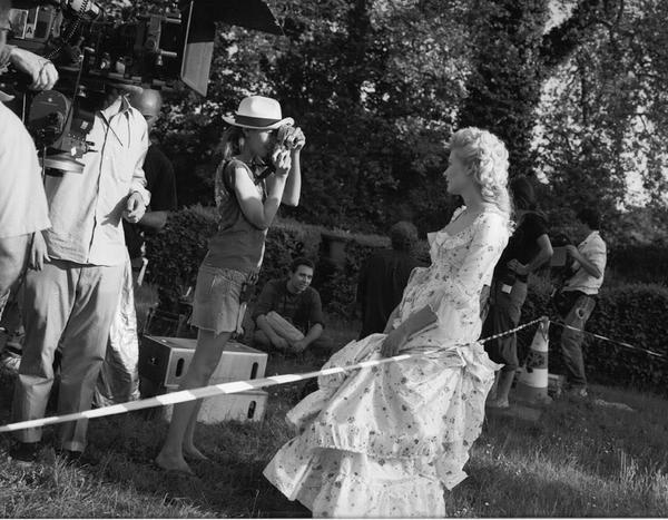 Films sur Marie-Antoinette : anachronismes et photos de tournage - Page 2 Bwxd_g10