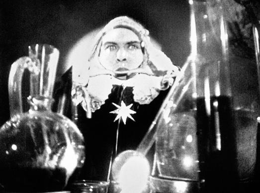 Cagliostro (Suzanne Bianchetti) réalisé en 1929 par Richard Oswald Cag_bm10