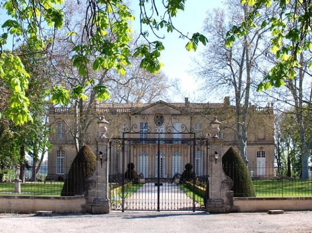 Le château de Sauvan, un petit Trianon de Haute-Provence Chatea17
