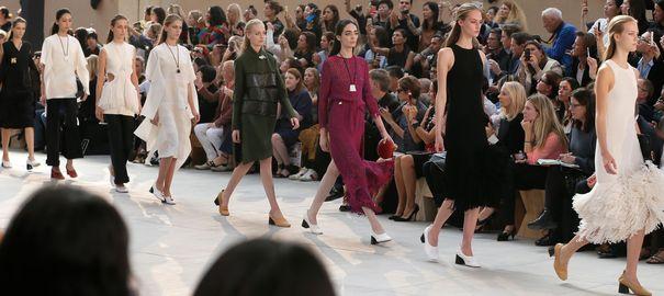 Paris Fashion Week Spring/Summer 2015: Marie Antoinette incontournable Defile10