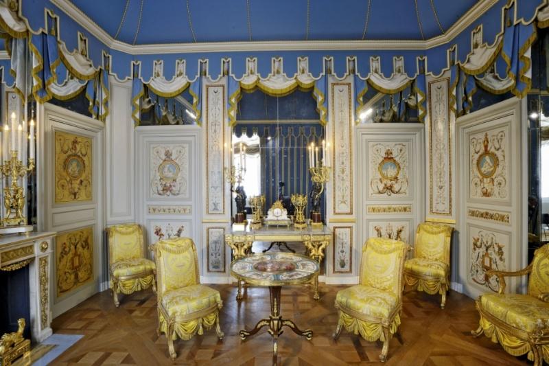Louvre: réouverture de salles Louis XVI-Marie Antoinette - Page 2 Des-pi10