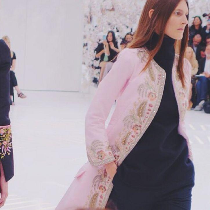 Haute Couture: Nouveau Versailles et Marie Antoinette dans l'espace Dior2-10