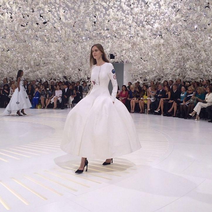 Haute Couture: Nouveau Versailles et Marie Antoinette dans l'espace Dior4-10