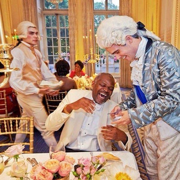 Quand les milliardaires se paient Marie Antoinette... Dj-cup12