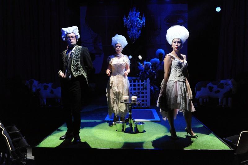 """""""Marie Antoinette - Let Them Eat Cake"""" de David Adjimi au Woolly Mammoth Theatre Dsc_8010"""