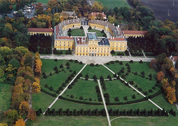 Le Palais Esterhazy à Fertőd, le Versailles hongrois Fertc510