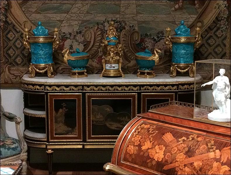 Louvre: réouverture de salles Louis XVI-Marie Antoinette - Page 2 L1010