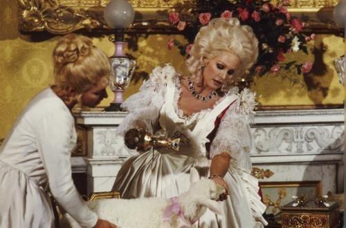 Marie-Antoinette à travers le cinéma - Page 2 Libert10