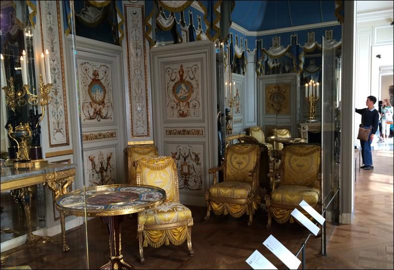 Louvre: réouverture de salles Louis XVI-Marie Antoinette - Page 2 Lxx510