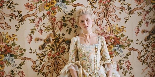 Marie Antoinette, by Sofia Coppola - Page 2 Marie-28