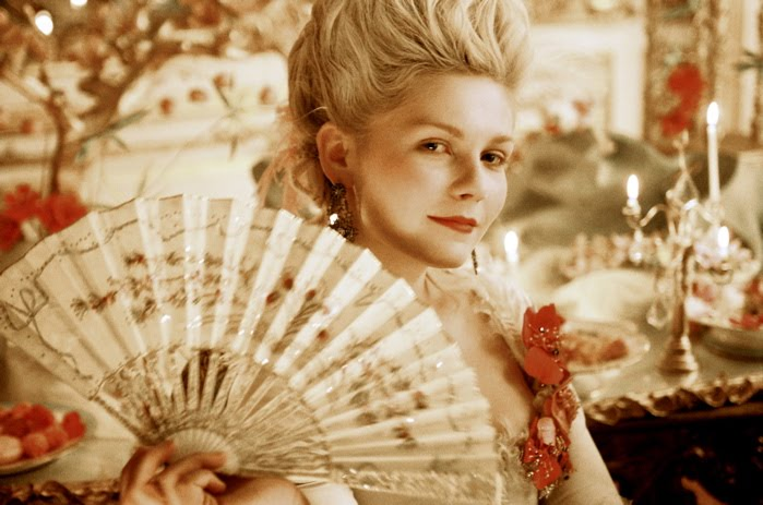 Marie Antoinette, by Sofia Coppola - Page 2 Marie_18