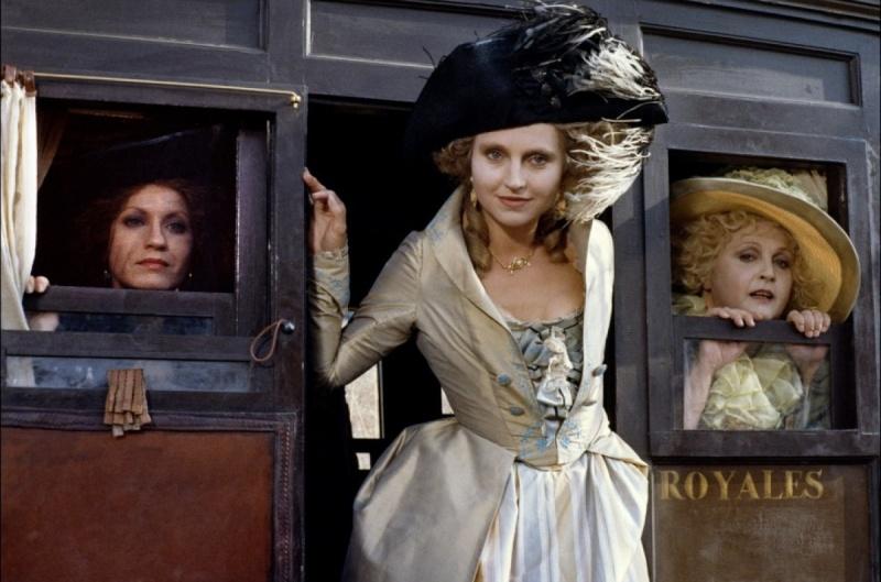 Marie-Antoinette à travers le cinéma - Page 3 Nuit-d10