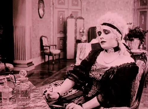 Madame Du Barry au cinéma - Page 3 Tumblr35
