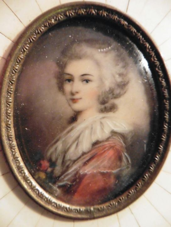 A vendre: miniatures de Marie Antoinette et de ses proches - Page 3 Zant12