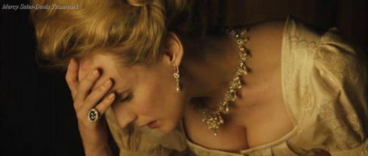 """Nos avis sur le film """"Les Adieux à la Reine"""", avec Diane Kruger de Benoît Jacquot - Page 22 Zt910"""