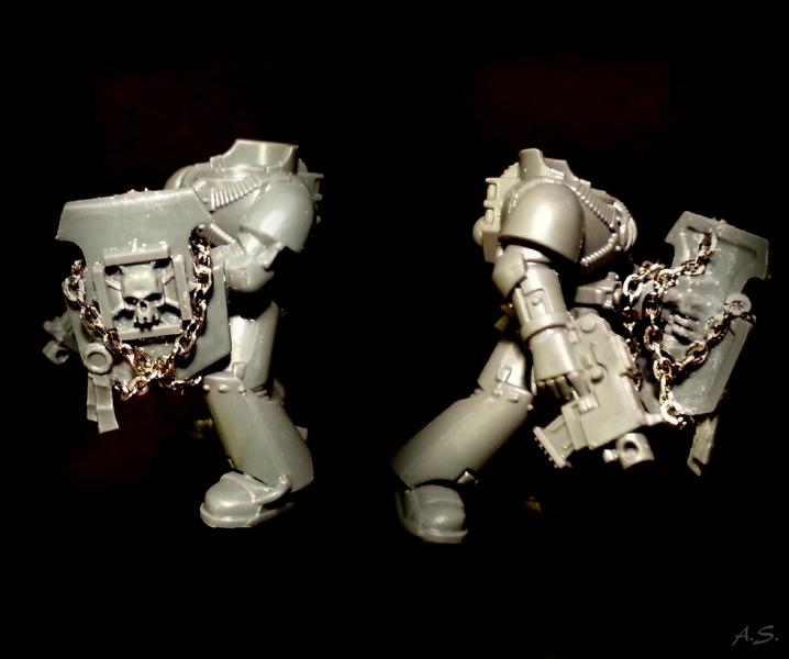 "Ehrwürdiger ""Black Templar"" Cybot *Loro*  K800_229"