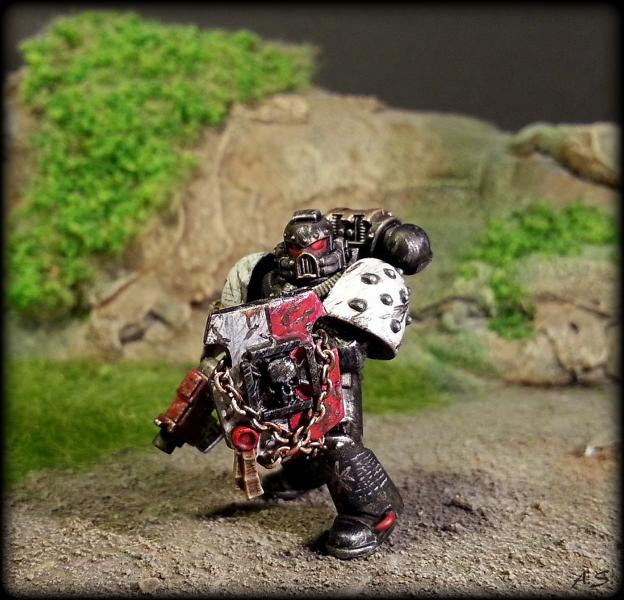 "Ehrwürdiger ""Black Templar"" Cybot *Loro*  K800_230"