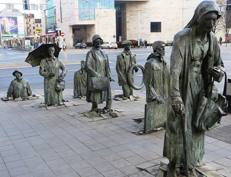 24 statues incroyablement créatives autour du monde 1348