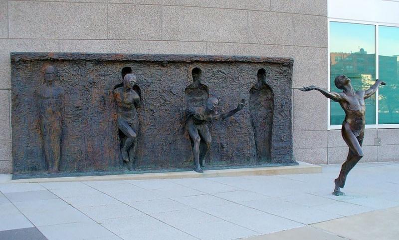 24 statues incroyablement créatives autour du monde 1353