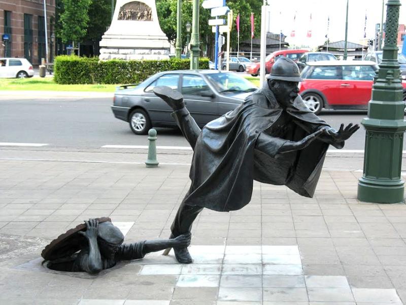 24 statues incroyablement créatives autour du monde 1359