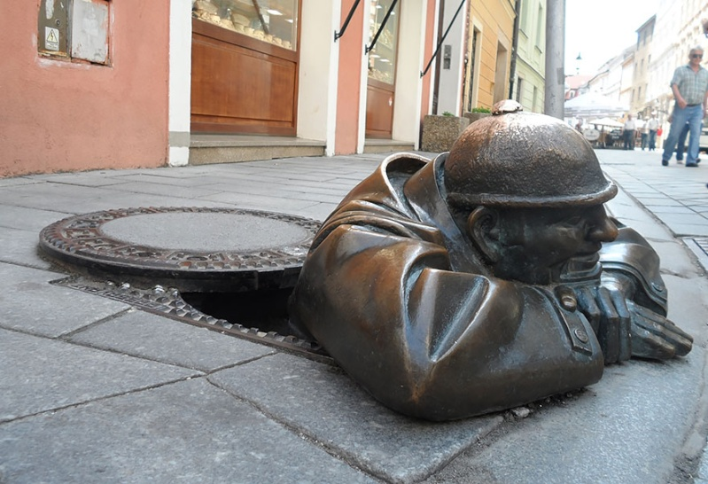 24 statues incroyablement créatives autour du monde 1365