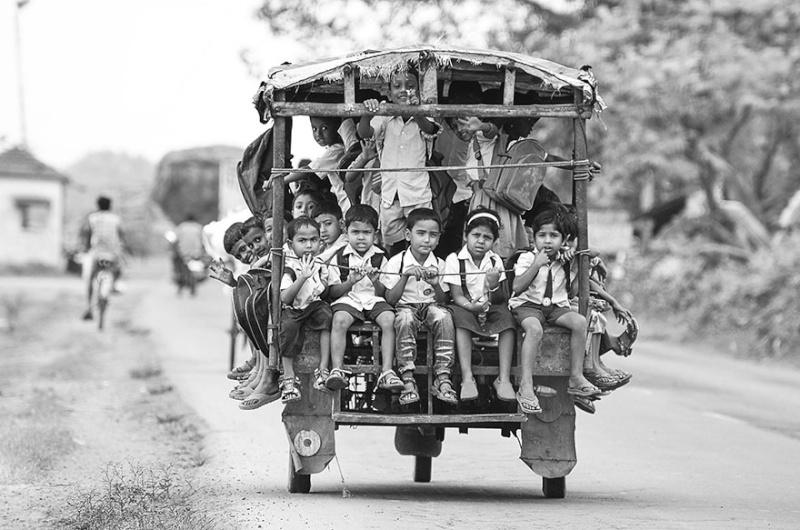 Ces enfants qui empruntent les chemins les plus dangereux du 1547