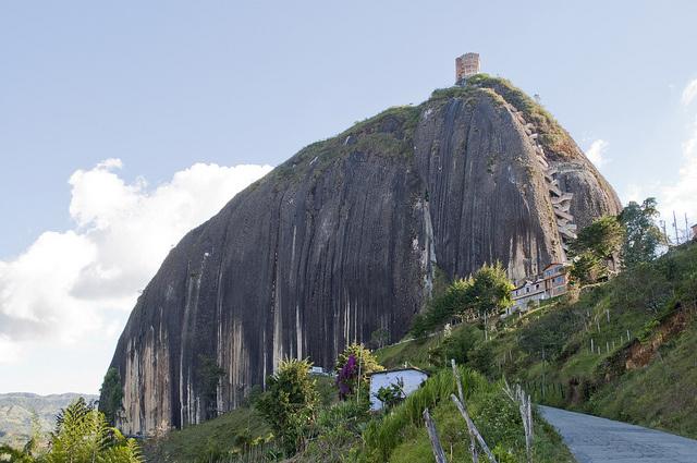Les escaliers du Peñón de Guatapé en Colombie 1588