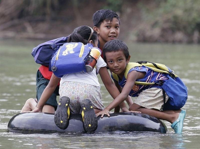 Ces enfants qui empruntent les chemins les plus dangereux du 2148