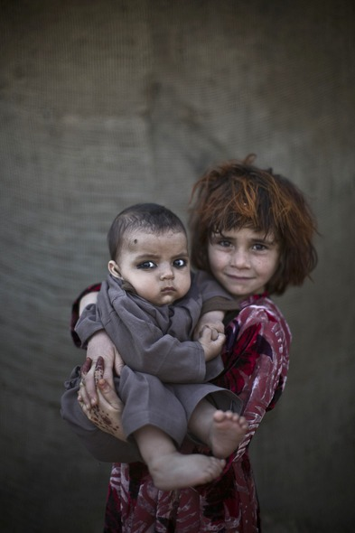 Des Portraits Saisissants d'Enfants Réfugiés Afghans 811