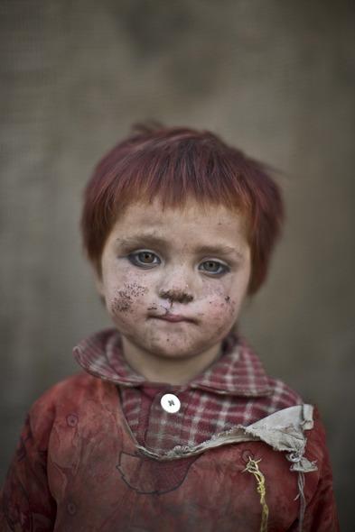 Des Portraits Saisissants d'Enfants Réfugiés Afghans 814
